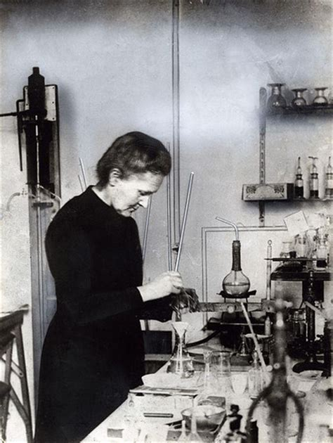 madam query scientist biography in hindi marie curie che miss try the skirts behind the science
