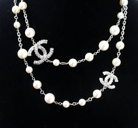 chanel pearl necklace with cc at 1stdibs