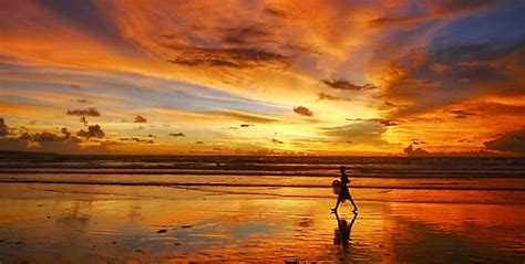Sunset at Kuta Beach   Keliling Nusantara
