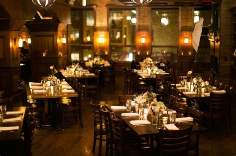 12 Awesome Chicago Restaurants For Your Wedding Day