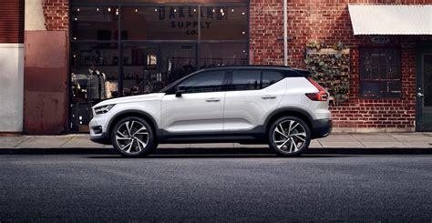 the volvo 2018 volvo xc40 debuts priced at 36 195 the torque report