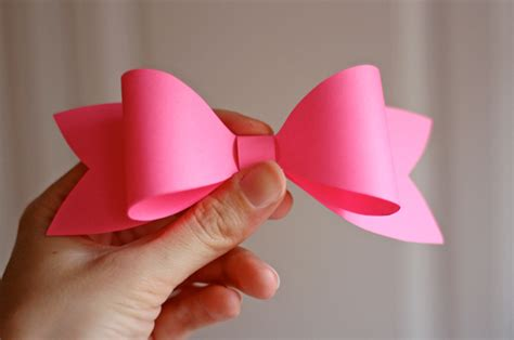 How To Make A Bow From Wrapping Paper - how to make a paper bow how about orange