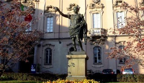 municipio di pavia monumenti di pavia cesare augusto