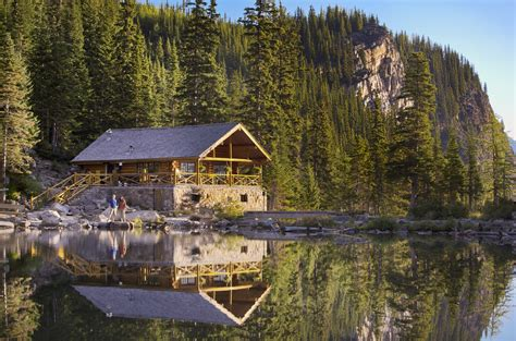 hike house hiking lake louise lake agnes tea house parkway paul zizka 2 horizontal