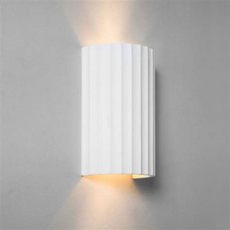 cylindrical ceramic paintable wall washer light with