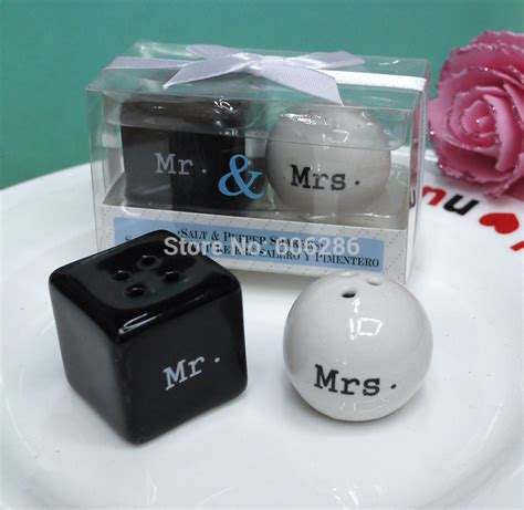 Small Giveaways - 10sets lot cheap wedding giveaway small door gift items mr mrs mr mrs ceramic salt