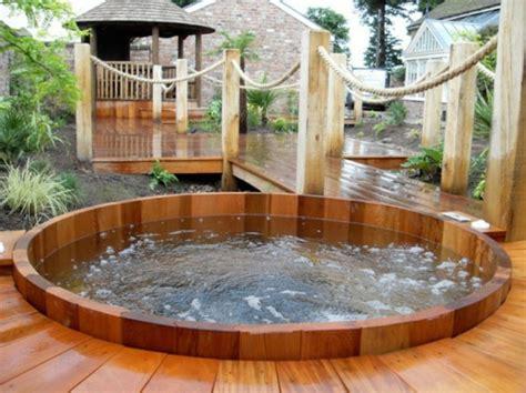 Badewanne Garten by Whirlpool Badewanne Im Garten Carprola For
