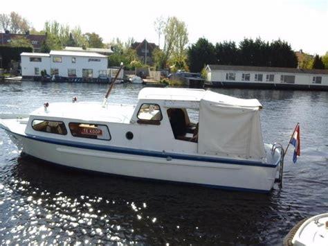 nieuwe kajuitboot kopen boot kajuitboot inboard tweedehands en nieuwe artikelen