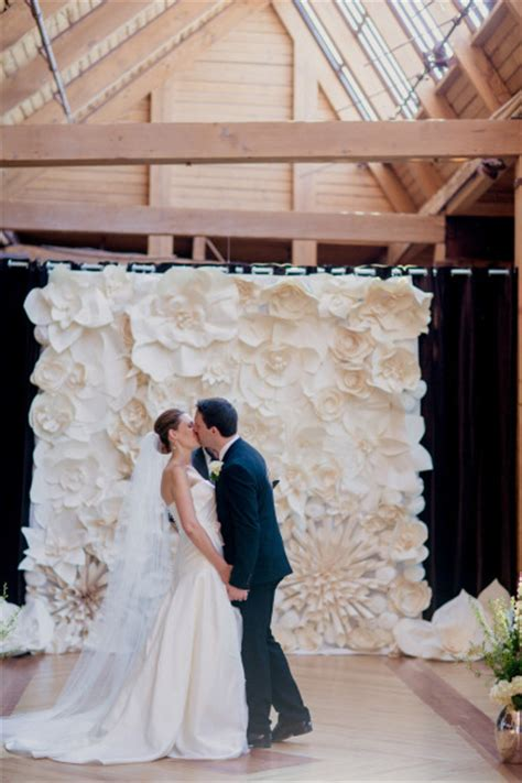 Draping Tutorial On Trend Paper Wall Flowers Wed On Canvas Live