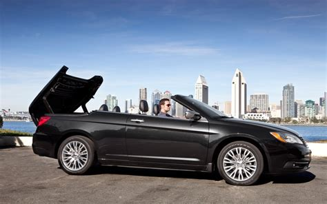 chrysler 200 convertible mpg 2011 chrysler 200 reviews and rating motor trend