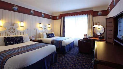 lakeside bedrooms disney s newport bay club disney hotels disneyland 174 paris