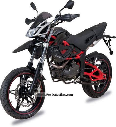 Cross Motorrad Info by 2012 Megelli Supermoto 125