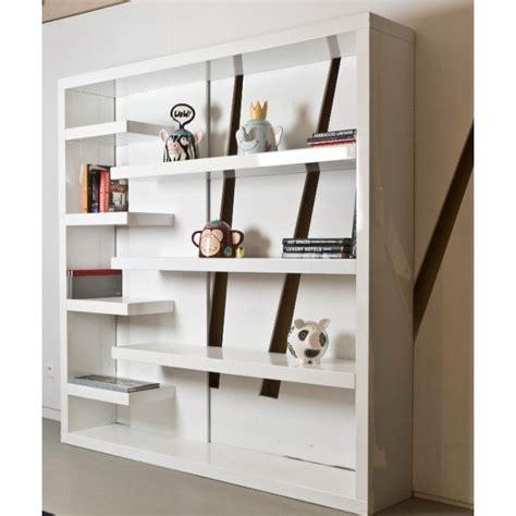 boekenkast wit grijs open boekenkast in wit grijs of hout met grijs interior