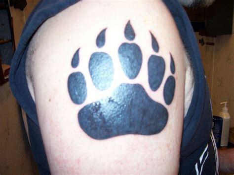 tattoo pictures bear paws 25 best ideas about bear paw tattoos on pinterest dog