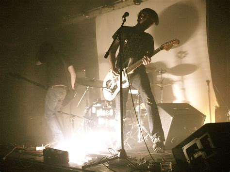 how to bury a a place to bury strangers