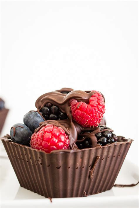 Lindsay Eats Chocolate And Runs In A by 27 Mouthwatering Ways To Eat Berries This Summer