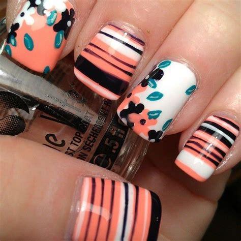 imagenes de uñas negras con blanco bonitas u 241 as de color naranja pastel decoradas con flores