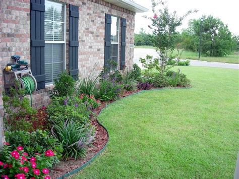 house landscaping ideas 25 best ideas about ranch house landscaping on