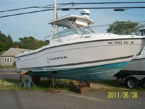 Seaswirl 2600 Sport Cabin by 1999 Seaswirl 2600 Sport Cabin I O Hardtop Boats Yachts For Sale