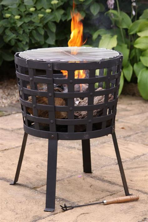 Cast Iron Fireplace Grill by Cast Iron Basket With Bbq Grill Savvysurf Co Uk