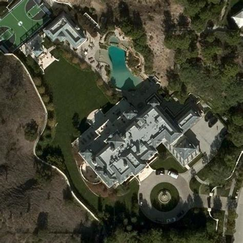 wahlberg s house in beverly ca