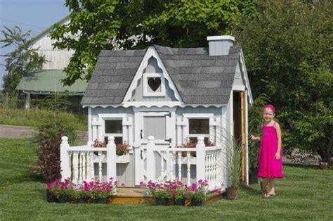 cottage kennel house