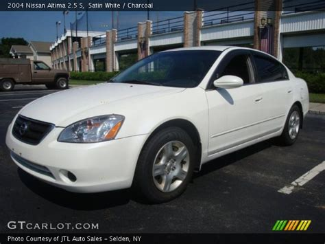 white nissan 2004 satin white 2004 nissan altima 2 5 s charcoal interior