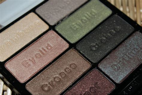 wild comfort wet n wild comfort zone palette review the sunday girl