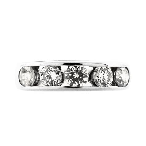 Set Channel 14kt white gold 5 channel set wedding band