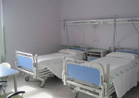 letto ospedale letti chiusi in ospedale scatta il piano estivo varesenews