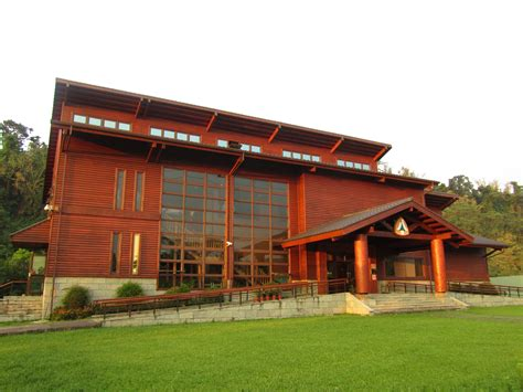 wood house file taiwan ck big wood house 1 jpg wikimedia commons