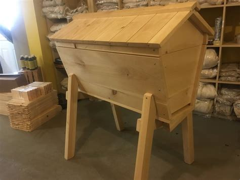 top bar beekeeping supplies a top bar hive innisfil creek honey beekeeping