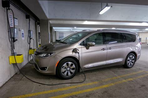 Chrysler Hybrids by 2017 Chrysler Pacifica Hybrid Real World Fuel Economy