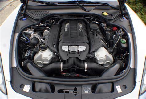 Porsche Panamera Motoren by Kf Der Giganten Porsche Panamera Vs Aston Martin