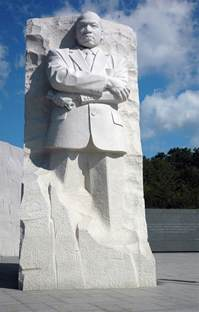 l for cing mlk memorial dedicated on the national mall summit