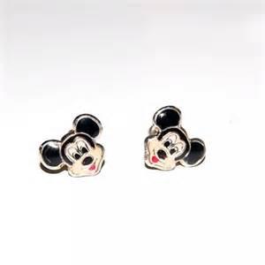 boucle d oreilles a vis mickey mouse argent 925 bijoux