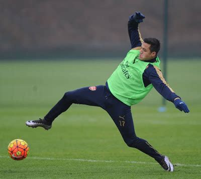 arsenal match today arsenal v chelsea see photos of players in training ahead