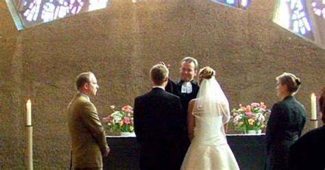 Dad?s new wife tries to ruin the wedding, but bride?s mom