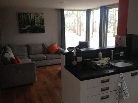 3 bedroom woodland lodge center parcs pine 210 picture of center parcs elveden forest elveden
