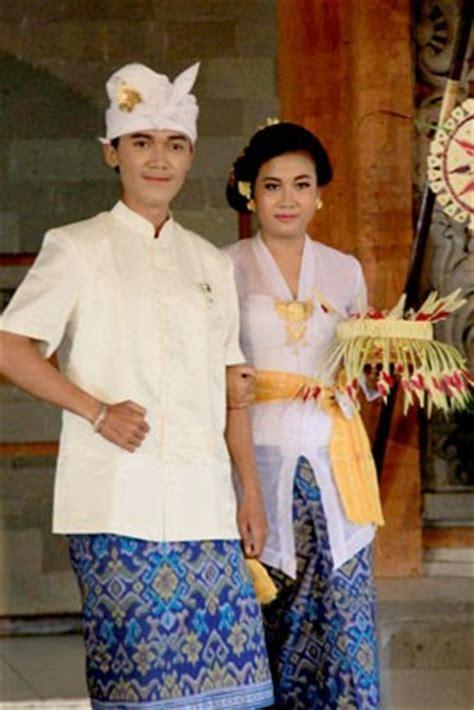 contoh busana pernikahan khas adat bali busana adat bali makna pakaian ada ke pura pakaian adat