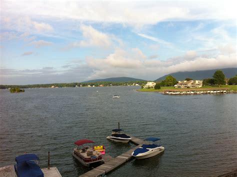boat rentals smith mountain lake bernard s landing a great vacation bernard s landing at smith mountain