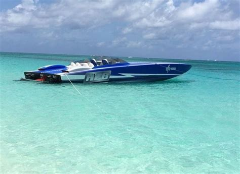 fast boats best 25 fast boats ideas on pinterest speed boats zoom