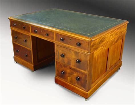 mesas de escritorio antiguas muebles antiguos armarios antiguos mesas antiguas