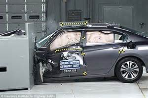 new car crash test ratings honda and subaru come out on top in new crash test safety