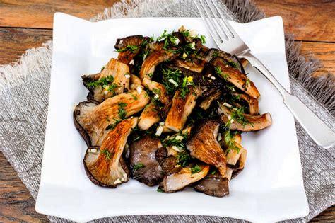 cucinare funghi pleurotus funghi pleurotus al forno la ricetta semplice e veloce
