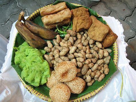 festival jajan pasar  batikpotensi lokal potensi lokal