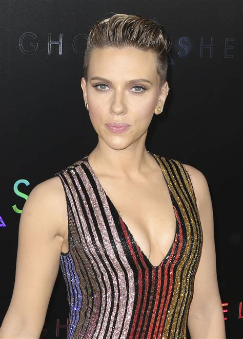 scarlett johansson�s boobs always look amazing � the