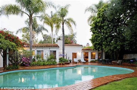 marilyn monroe brentwood home mayilyn monroe home for sale for 3 6million daily mail