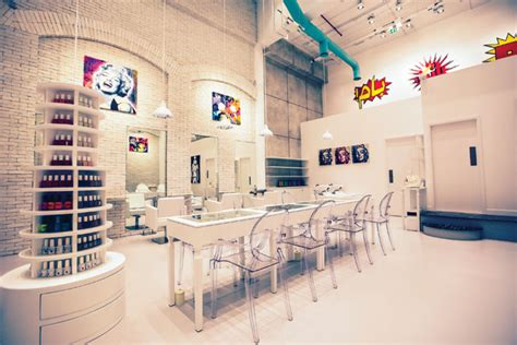 Hair Dresser Dubai by Nail Bars In Dubai With A Twist Reviewed What S On