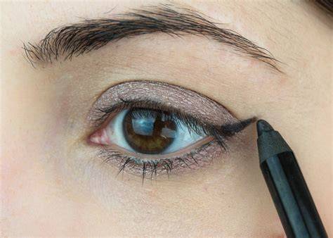 Tutorial Eye Liner eye makeup with kajal and eyeliner eyeshadow saubhaya makeup